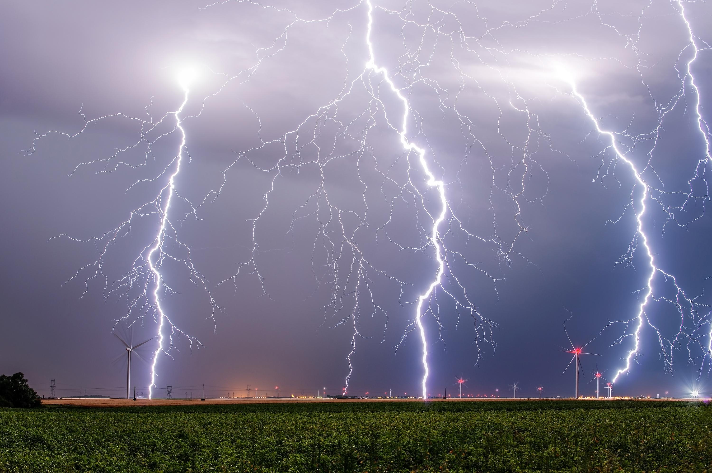 Le champ éolien et l'orage - Xavier DELORME