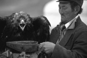 Isinthai et l'aigle Ka, Mongolie - Tiziana et Gianni Baldizzone