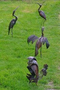 Oiseaux en métal recyclé - Cité Dahomey