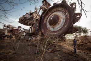 L'excavatrice géante, symbole de la 1ere guerre de l'eau sur le Nil au Soudan du Sud - Franck Vogel