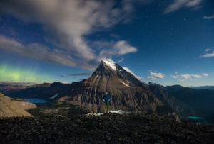 Face au Mont Robson (3954m), sommet culminant des Rocheuses canadiennes - Paul Zizka